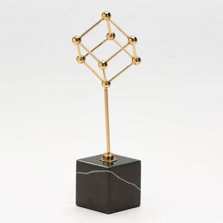 Figura Cubo Dorado