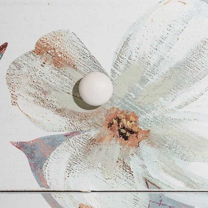 Cómoda Flores blanco pintada a mano detalle tirador