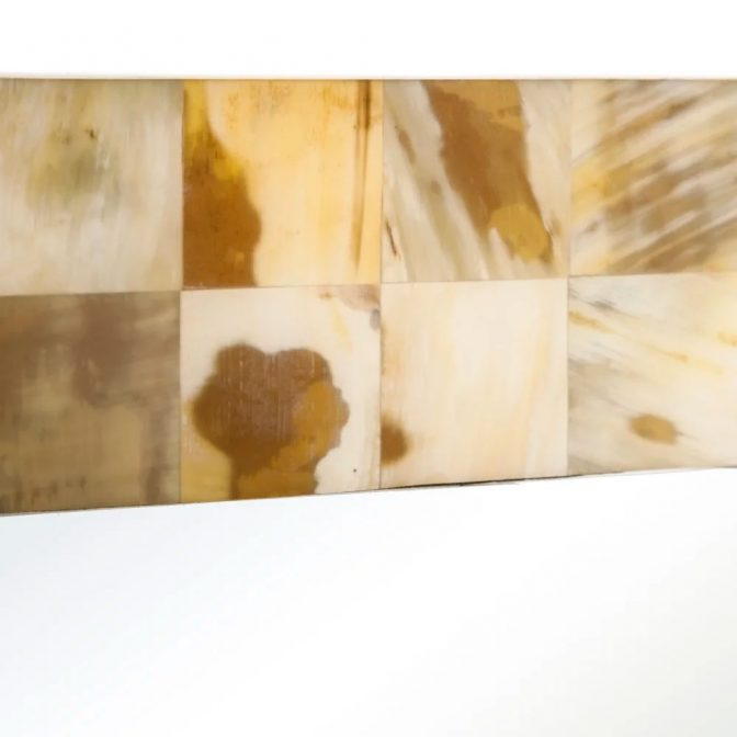 Espejo de diseño con piezas mosaico de asta natural detalle