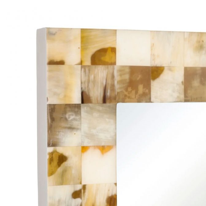 Espejo de diseño con piezas mosaico de asta natural esquina superior