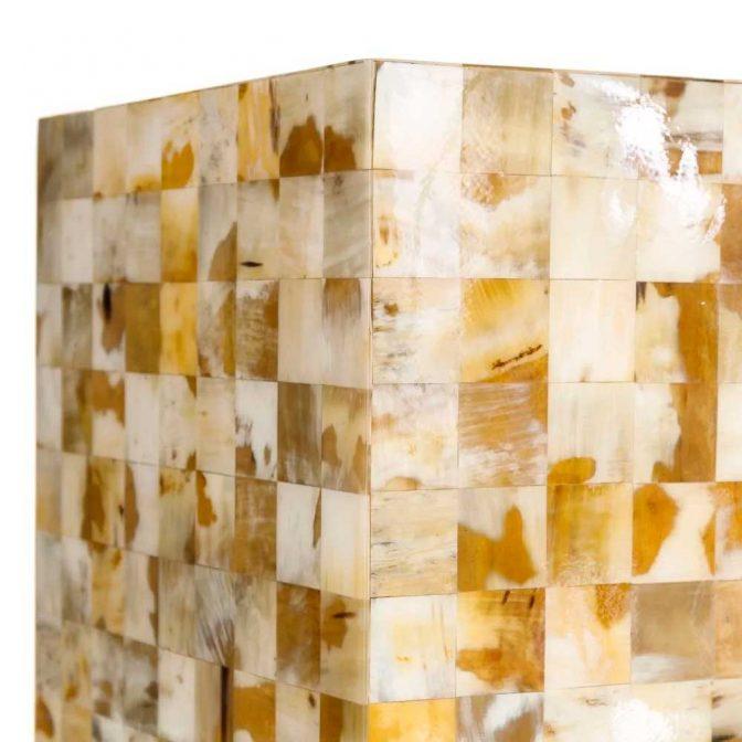Mesa auxiliar mosaico de piezas de asta natural detalle